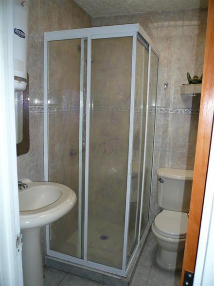 Puertas de ba o para duchas en guatemala construcci n de - Puertas corredizas banos ...